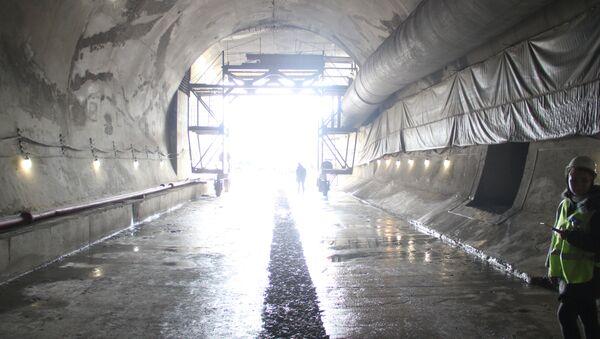 К Крымскому мосту пробили железнодорожный тоннель
