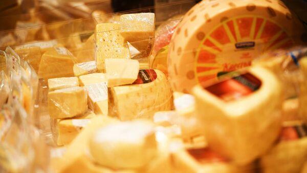 Прилавок с сыром. Архивное фото