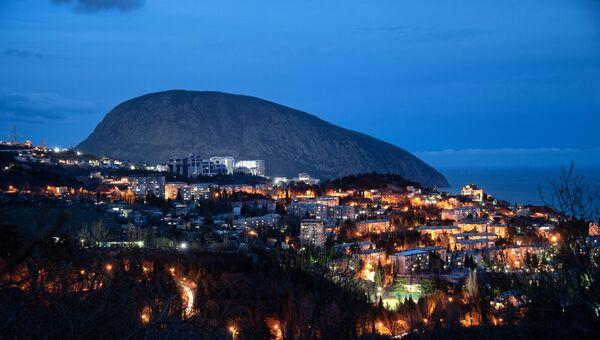 Гора Аю-Даг со стороны Гурзуфа в Крыму