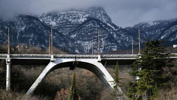 Мост через реку Авунда при подъезде в Гурзуф в Крыму