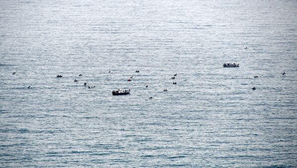 Прогулочные катера в Черном море. Архивное фото