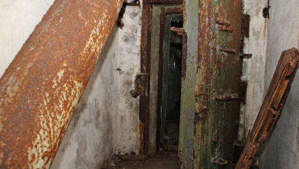 В коридоре запасного штаба гражданской обороны, построенного в Симферополе во времена холодной войны