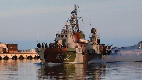 Катер ВМС Украины во время учений пограничников в Азовском море