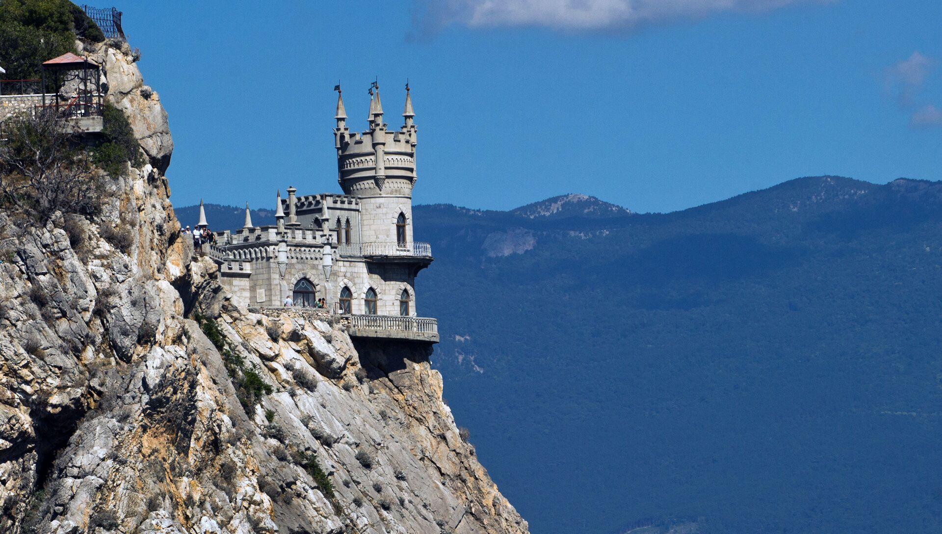 Замок Ласточкино гнездо на береговой скале в поселке Гаспра в Крыму. - РИА Новости, 1920, 03.08.2021