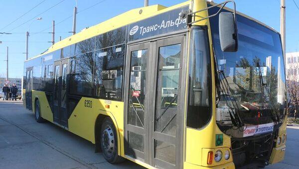 В Керчь доставили еще один троллейбус из резерва Крымтроллейбуса