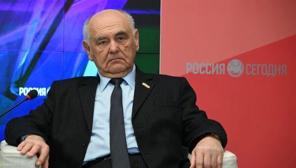 Депутат Госсовета Крыма Анатолий Жилин