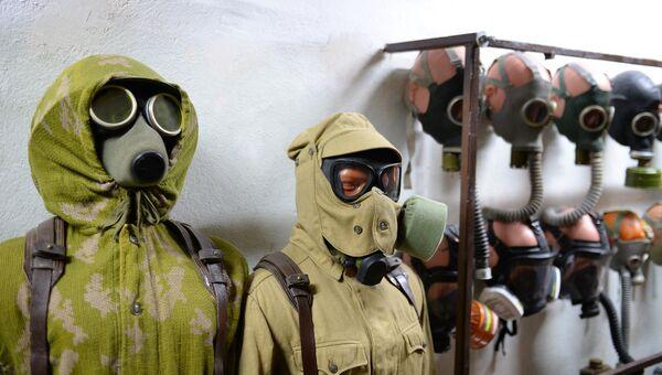 Защитные костюмы и противогазы в подземном Спецобъекте №2 в Севастополе