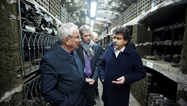 Члены делегации французских политиков посетили винзавод Массандра