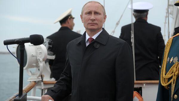 Президент России Владимир Путин на праздновании 69-й годовщины Победы в Великой Отечественной войне и 70-летия освобождения Севастополя. 9 мая 2014