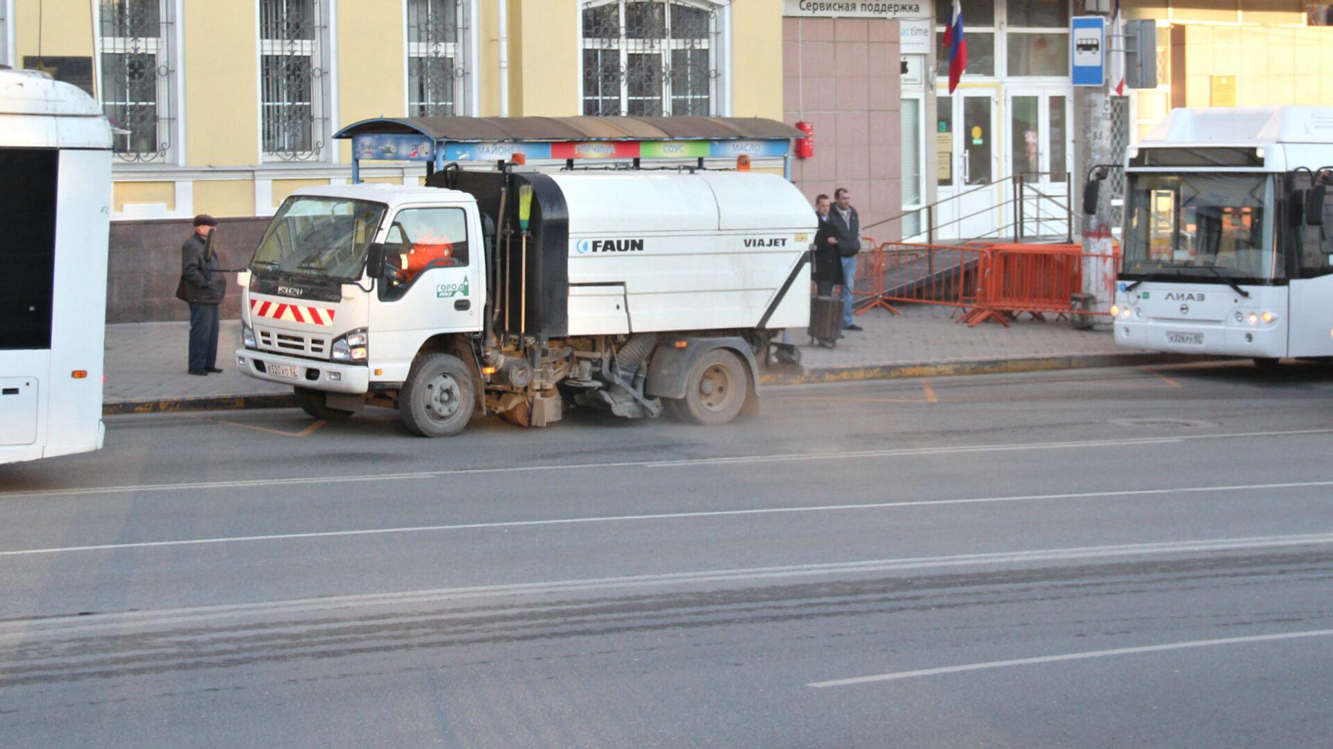 Уборка центральных улиц Симферополя - РИА Новости, 1920, 22.09.2021