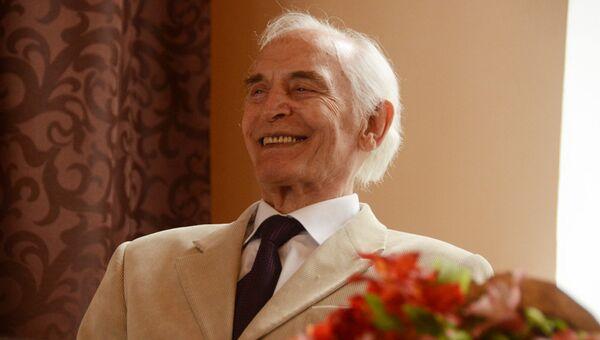 Народный артист СССР, лауреат Ленинской премии Василий Лановой