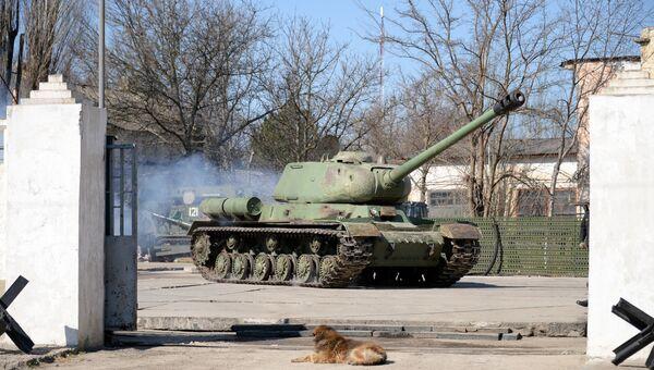 Восстановленный  танк времен Великой Отечественной войны. Архивное фото