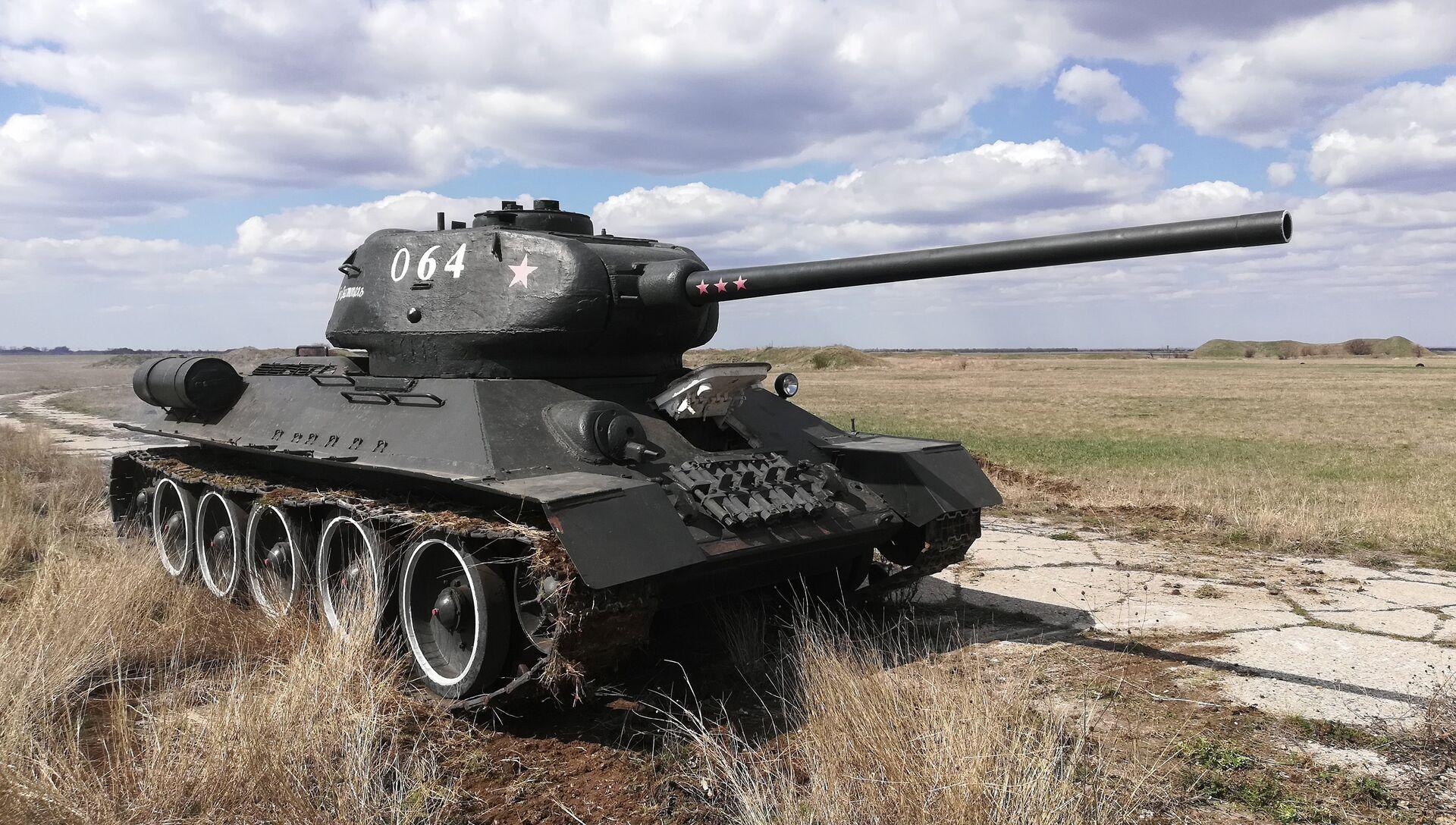 Восстановленный легендарный танк времен Великой Отечественной войны Т-34 - РИА Новости, 1920, 26.03.2021