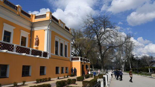 Здание Феодосийской картинной галереи им. И. К. Айвазовского