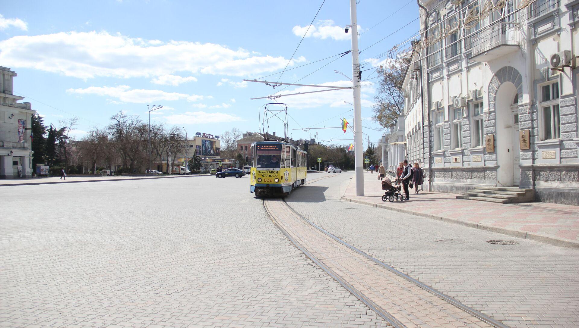 Евпатория. Площадь перед зданием администрации города, 03.04.2019 г. - РИА Новости, 1920, 21.04.2021