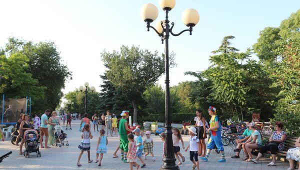 Дети в центре Евпатории