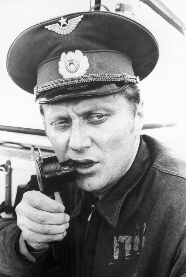 Руководитель полетов майор А. Бабич