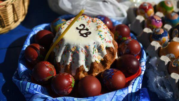 Освящение пасхальных куличей и яиц в Великую субботу