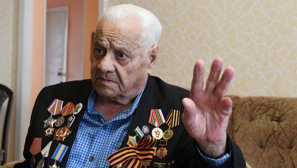 Ветеран Великой Отечественной войны Нури Абибуллаев