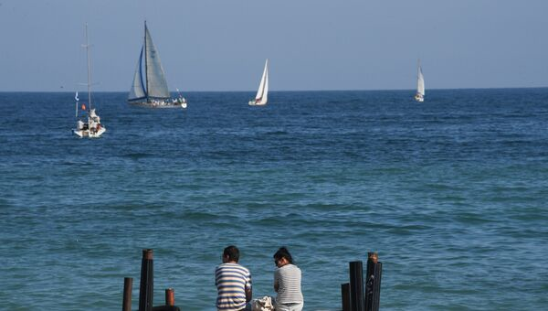 На берегу Черного моря в Коктебеле