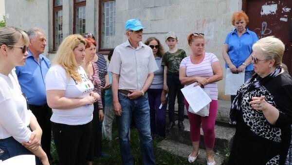 Глава администрации Симферополя Наталья Маленко провела встречу с жителями микрорайона Каменка