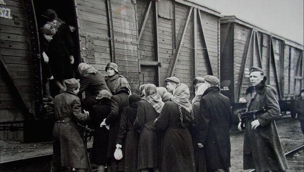В Анкаре фото остарбайтеров выдали за снимки депортации крымских татар