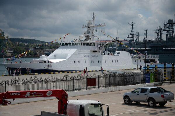 Выставка пограничных кораблей в Севастополе в рамках празднования Дня пограничника