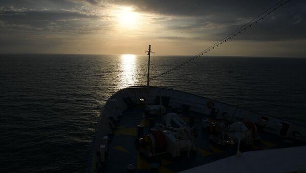 Вид на Черное море с палубы круизного лайнера Князь Владимир