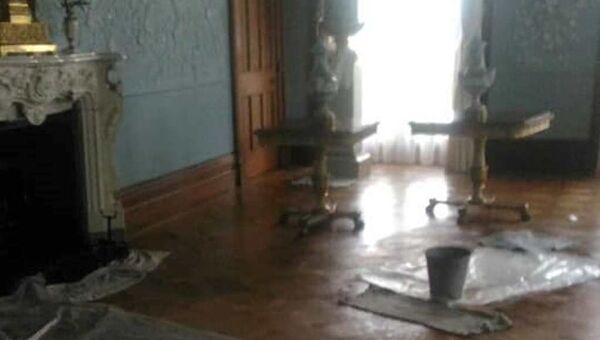 В Алупке из-за ливня в Воронцовском дворце произошла течь