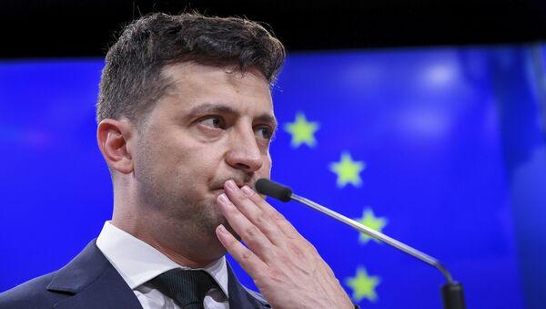 Президент Украины Владимир Зеленский на пресс-конференции после встречи с президентом ЕС Дональдом Туском в Брюсселе