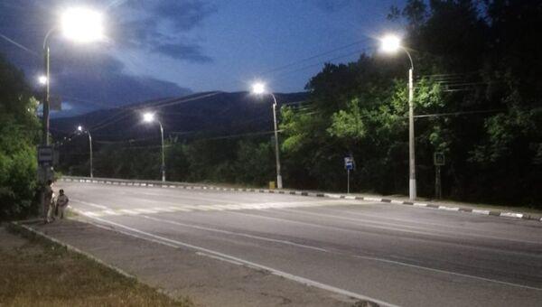 Освещение в районе пешеходных переходов и остановок общественного транспорта на трассе Симферополь-Ялта