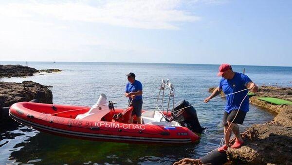На западе Крыма проходит операция по поиску пропавшего в акватории Черного моря аквалангиста