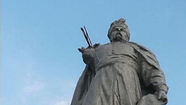 У памятника гетману Богдану Хмельницкому в Кривом роге отвалилась рука с булавой