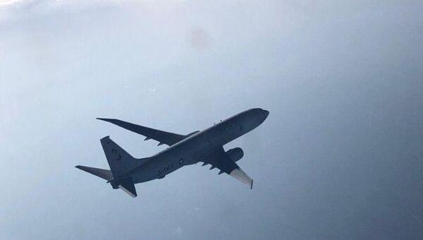 Фото перехвата американского самолета-разведчика над Черным морем