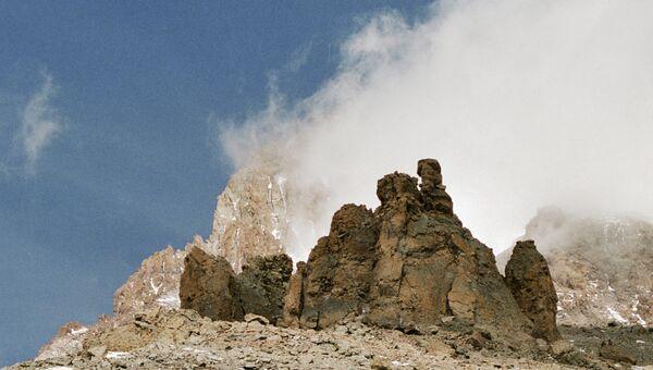 Гора Казбек. Архивное фото