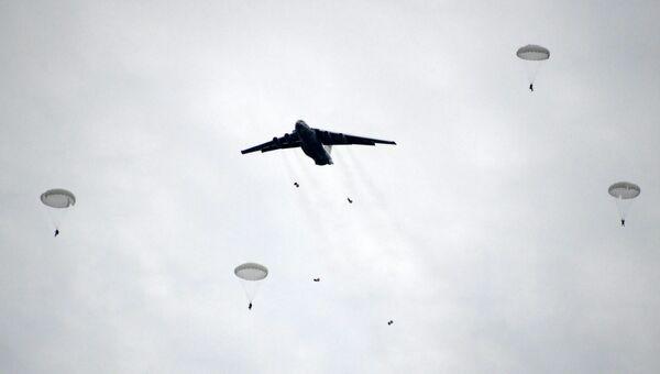 Учения Военно-транспортной авиации (ВТА) и Воздушно-десантных войск на полигоне Чауда в Крыму
