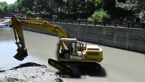 Капитальный ремонт набережной Салгира в Симферополе
