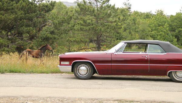 Cadillac по дороге на Ай-Петри