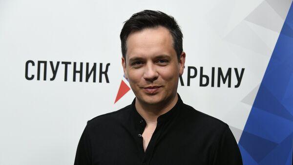 Солист российской группы Корни Александр Асташенок