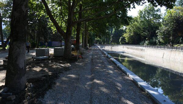 Капитальный ремонт набережной реки Салгир в Симферополе