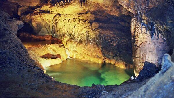 Пещера Кизил-Коба (Красная) в Крыму