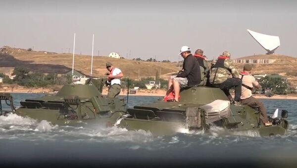 Видео форсирования Керченского пролива во время акции Дорога мужества