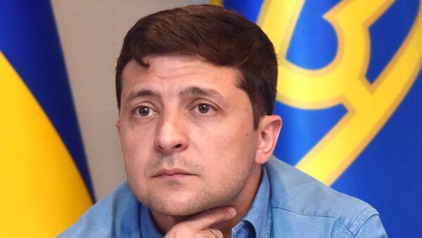 Президент Украины В. Зеленский посетил школу депутатов  партии Слуга народа