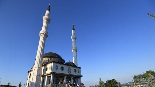 Главный намаз в мечети Кадыр Джами в Симферополе