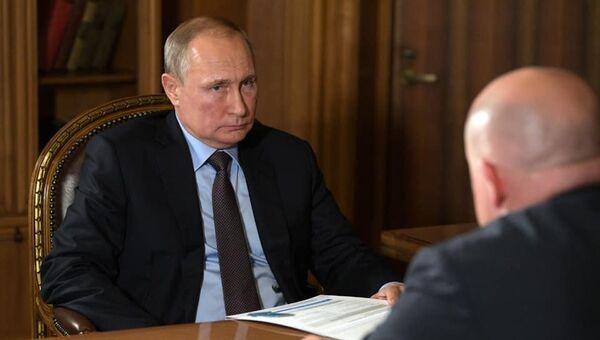 Михаил Развожаев на встрече c Владимиром Путиным в Севастополе