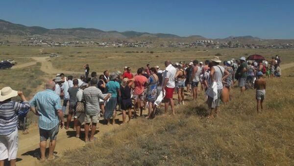 Жители Судака вышли на митинг против использования земель Меганома