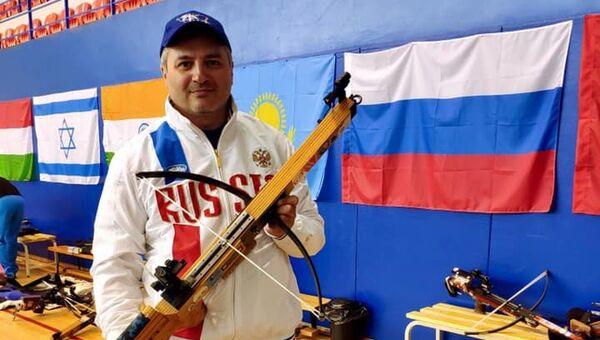 Артур Айвазян стал чемпионом мира по стрельбе из арбалета