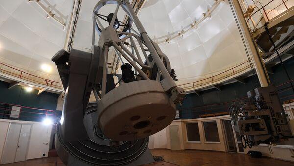Большой зеркальный телескоп. Архивное фото