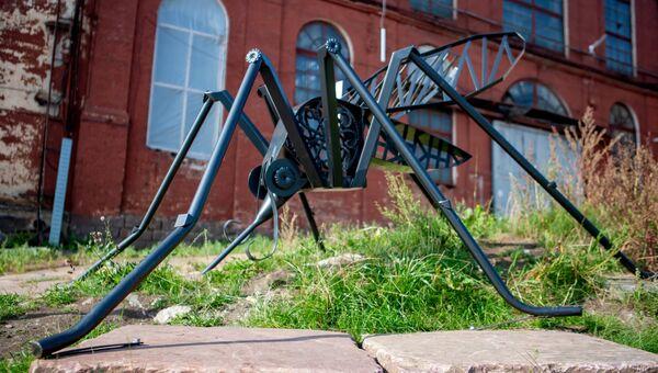 Скульптура гигантского комара в Петрозаводске. Архивное фото