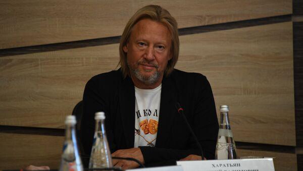 Президент фестиваля детского и семейного кино Солнечный остров, народный артист РФ Дмитрий Харатьян